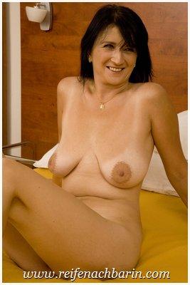 Große hängebrüste nackt