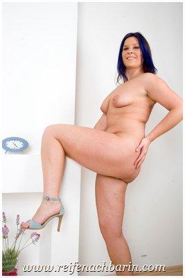 In heels reife high frauen nackt High Heels